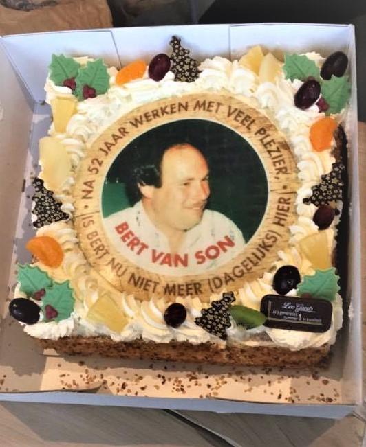 Een iets jongere uitvoering van Bert vastgelegd in slagroom, cake en marsepein